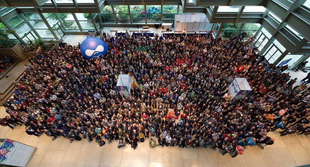 birds eye view of DrupalCon Seattle attendees