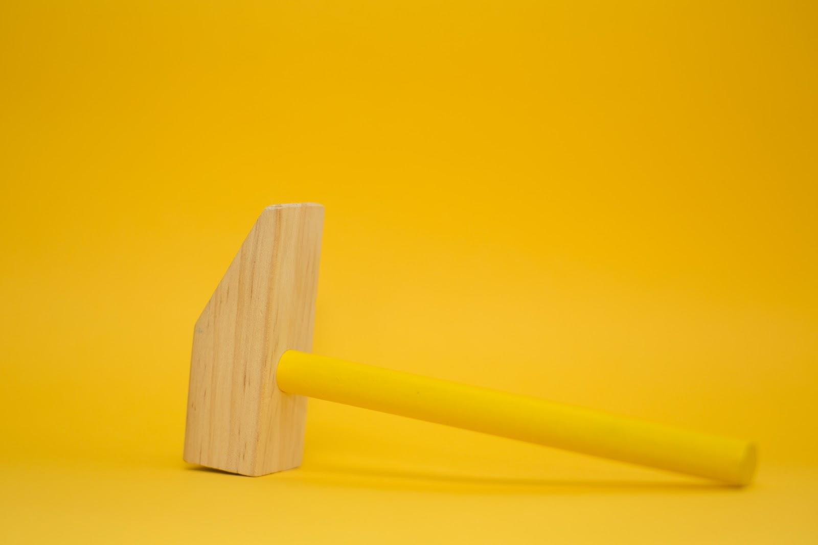 Wooden toy hammer